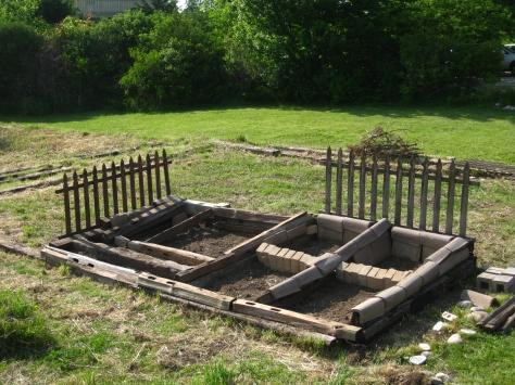 Build Raised Bed Gardening Plans Hillside Diy How To Build